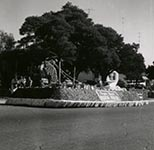 PB Parade Float bw
